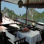 Du Thuyen Nha Hang ha Long