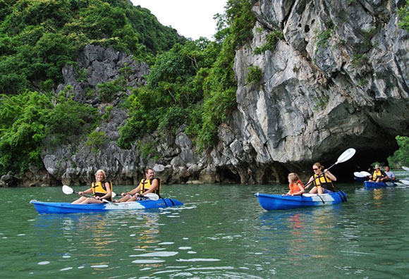 Chao Kayak Ha Long