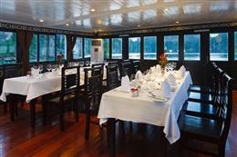 Phòng ăn du thuyền Carina Hạ Long