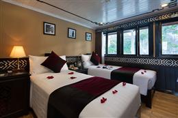 Phòng ngủ twin trong du thuyền Carina Hạ Long