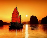 Ngủ Tàu Hạ Long