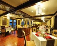 Nhà ăn của Paradise Cruise