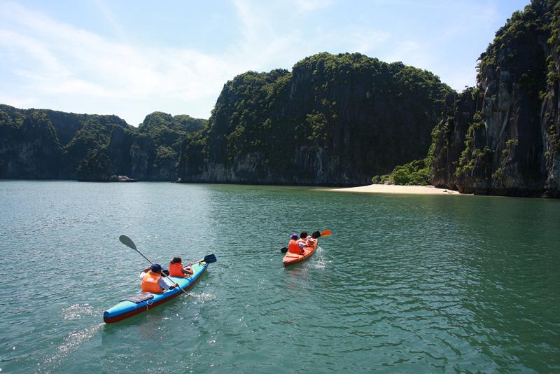 Chèo Kayak Vịnh Lan Hạ