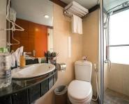 lavela-classic-deluxe-bathroom