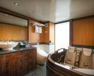lavela-classic-junior-suite-bathroom
