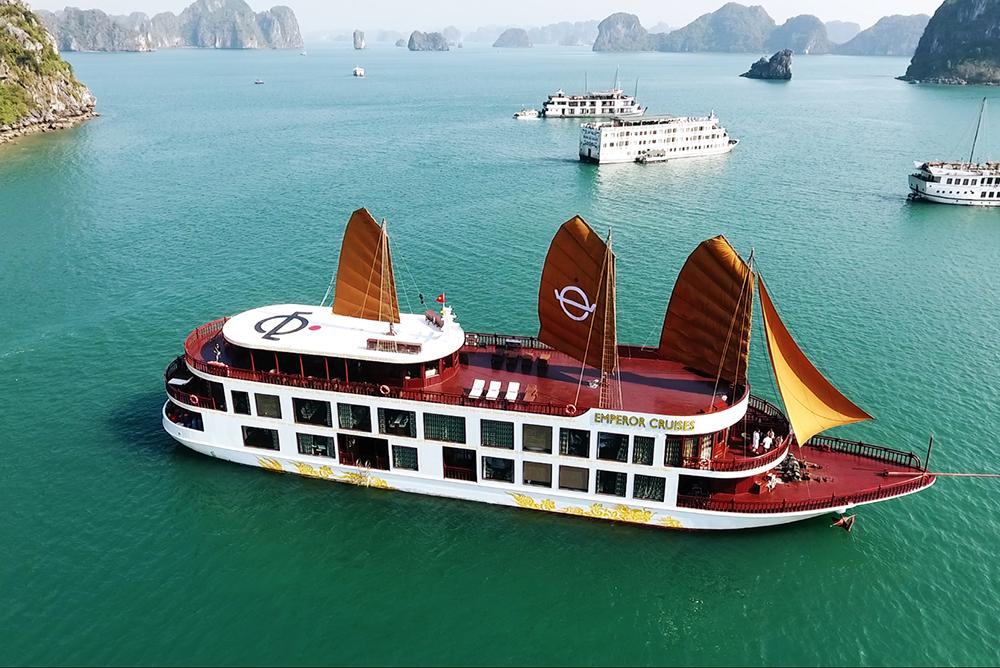 Du thuyền Emperor Cruise Hạ Long - Đặt Tour Ngủ Tàu Giá Tốt Nhất
