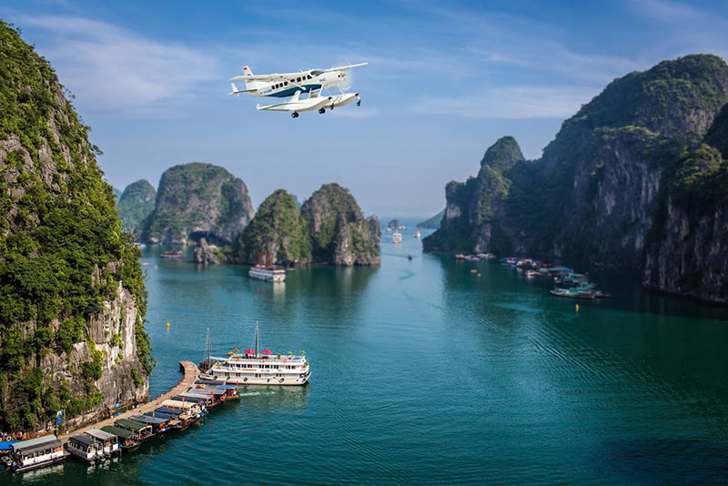 Thuy phi co Halong