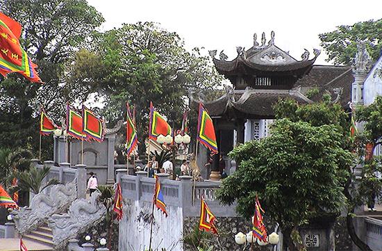 Den-Cua-Ong-Vinh-Ha-Long