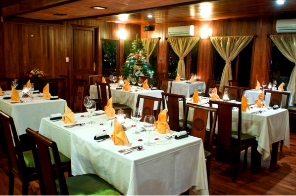 Phòng ăn Du Thuyền Indochina Sail