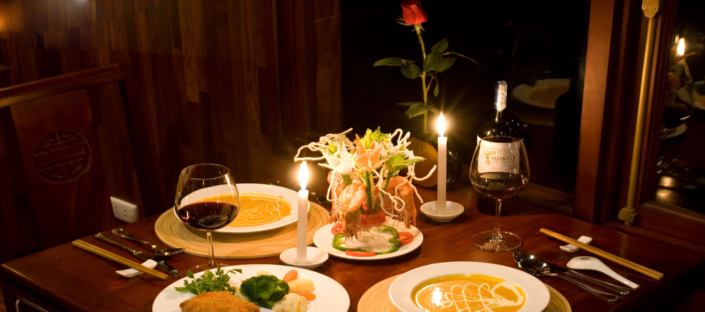 Các món ăn trên Du thuyền Dolphin