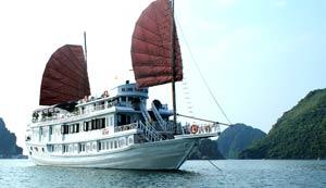Du thuyền Phoenix Hạ Long