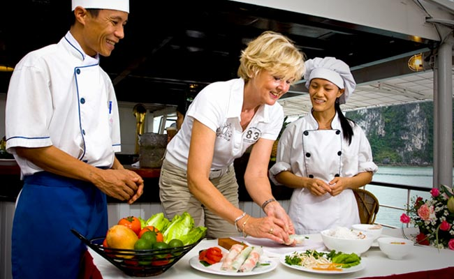 Lớp dạy Nấu Ăn Du Thuyền Emeraude