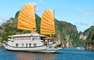 Du Thuyền Hương Hải Hạ Long