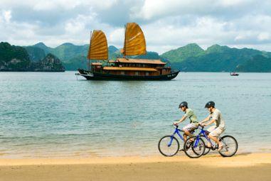 Du Thuyền Hương Hải