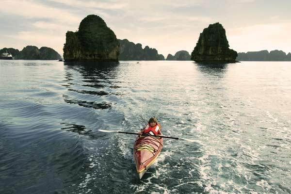 Chèo kayaking Du Thuyền Indochina Sail