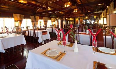 Phòng ăn Du Thuyền Aclass