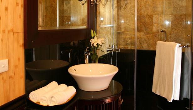 Phòng tắm Du Thuyền Jasmine