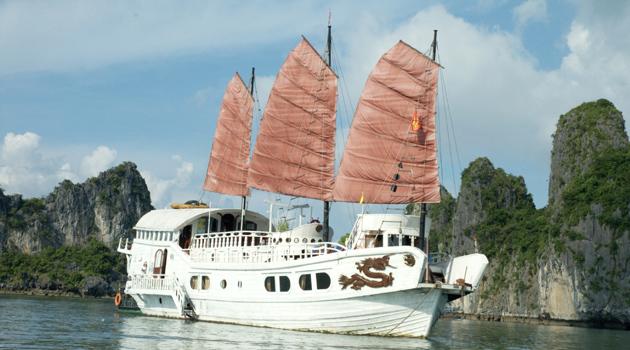 Du thuyền Red Dragon