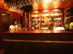 Quầy bar Du Thuyền Ginger