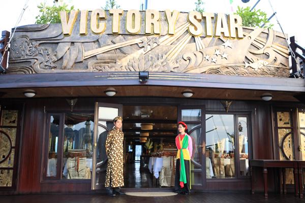 Cửa vào Du Thuyền Victory Star
