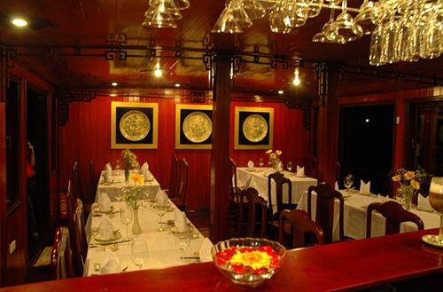 Phòng ăn Du thuyền Dragon Pearl