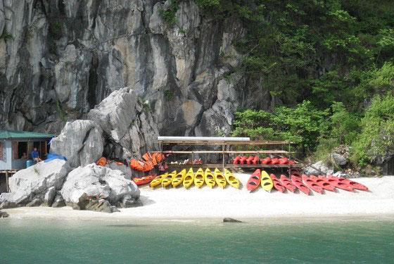 Chèo Kayaking Du thuyền Dragon Pearl