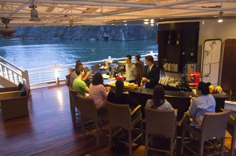 Quầy Bar Du thuyền Âu Cơ